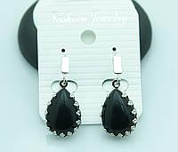 Сережки капля с черным камнем оптом. 2196