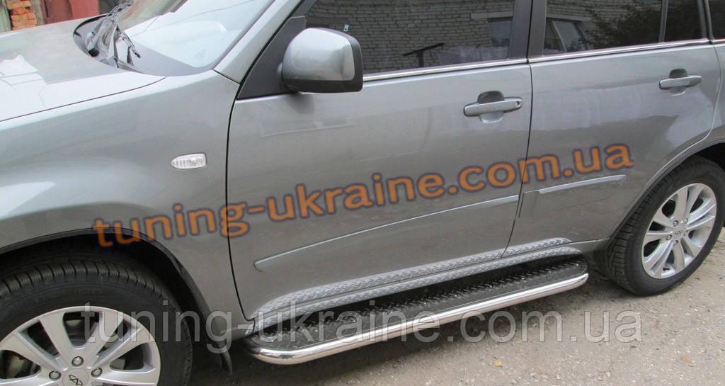 Боковые пороги  труба c листом (нержавеющем) D60 на Volkswagen Tiguan 2008-2011