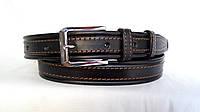 Кожаный ремень 35 мм чёрный прошитый коричневой ниткой пряжка хромированная два кожаных тренчика