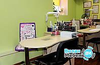 Маникюрный стол оборудован встроенной  вытяжкой, фото 1