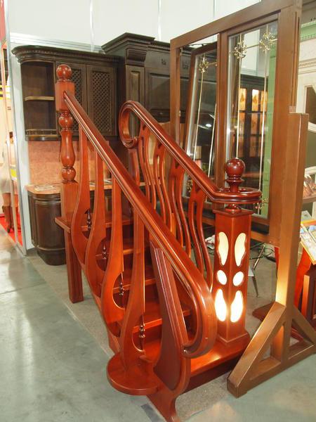 Любой вариант деревянной лестницы - Домосвит в Киеве