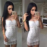 Женское красивое белое кружевное платье