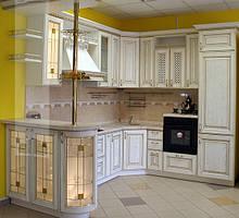Кухни с фасадами из натурального дерева в Киеве, цены, фото