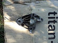 Подушка двигуна рено лагуна 1.кріпленія двигуна рено лагуна1