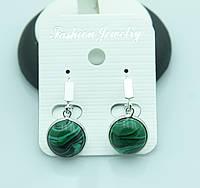 Зеленые серьги с разводами под натуральный камень оптом. 2210