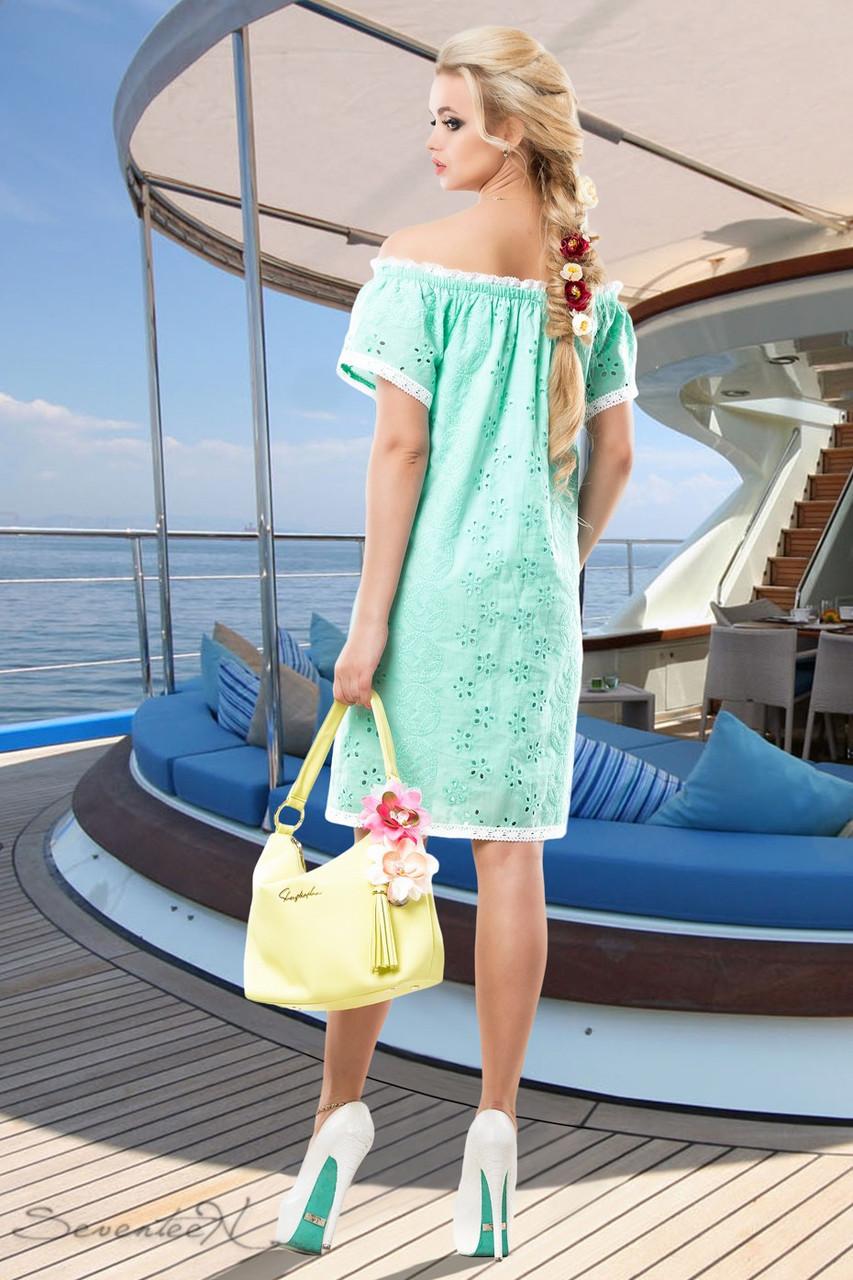 13e447552b1 Летнее платье прямого покроя из батиста перфорированного на вискозной  подкладке 42-52 размеры