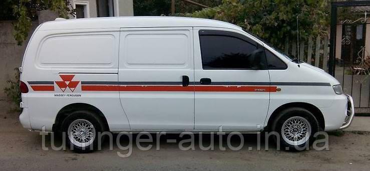 Вітровики, дефлектори вікон Hyundai H200/H1 1997-2007