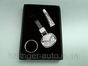 Брелок на ключи со стразами Mazda