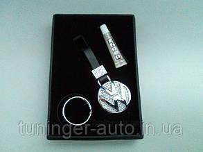 Брелок на ключи со стразами Volkswagen