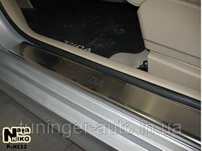 Накладки на пороги Nissan Tiida 2007- (Nata-Niko)