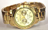 Часы на браслете 935