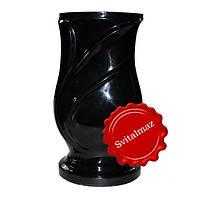 Полимерная ваза черного глянцевого цвета высотой 30 см. под цветы для ритуальных памятников и надгробий.