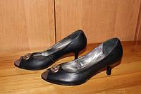 Туфли женские на невысокой шпильке модель Т1К7