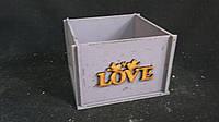 Фиолетовый ящик-кашпо (фанера), 13х13х9 см, 125/95 (цена за 1 шт. + 30 гр.)