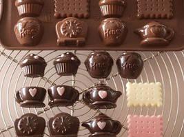 Силиконовая форма для конфет Чаепитие Silikomart