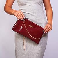 Бордовая лаковая сумочка-клатч женская на цепочке