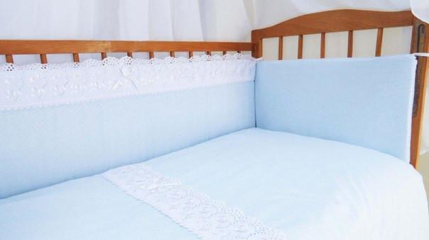 Защита постельки «Ажурный»