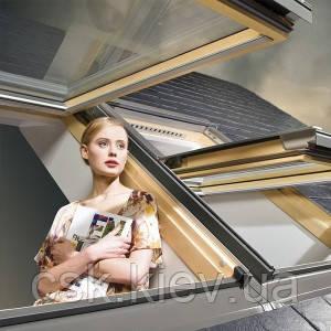 Мансардное окно FAKRO с комбинированной системой открывания