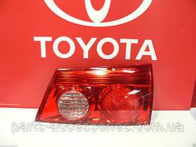 Задний правый фонарь Toyota Sienna 2006-10 новый оригинал