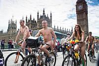 «Велосипед является наиболее цивилизованным средством передвижения из известных человеку. Другие виды транспорта становятся с каждым днем все более кошмарными. Только велосипед остается чистым сердцем». Айрис Мердок