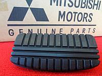 Накладка на педаль тормоза Mitsubishi Eclipse 1988-99 новая оригинал