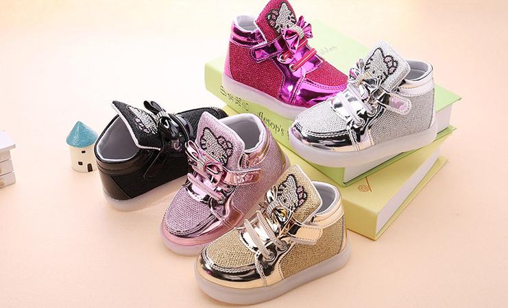 Освітлене спортивне взуття Кіті для дівчинки   продажа ab9b613739f44