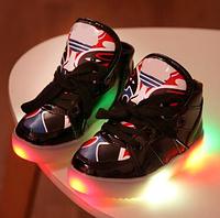 Освітлене спортивне взуття для дівчаток та хлопчиків
