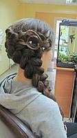 Зачіска з елементами плетіння