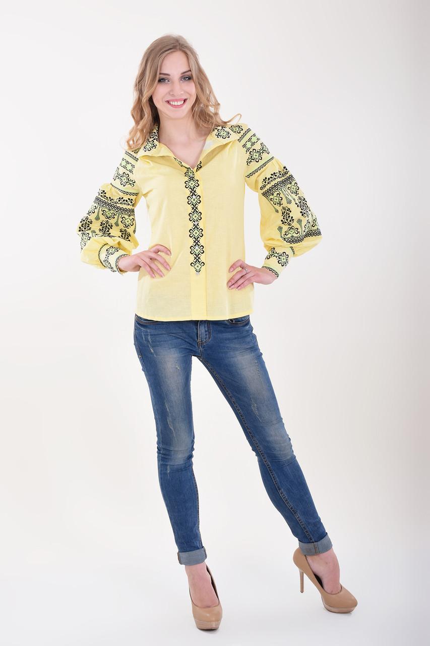 Роскошная женская блуза вышиванка дизайнерского кроя богато украшена вышивкой
