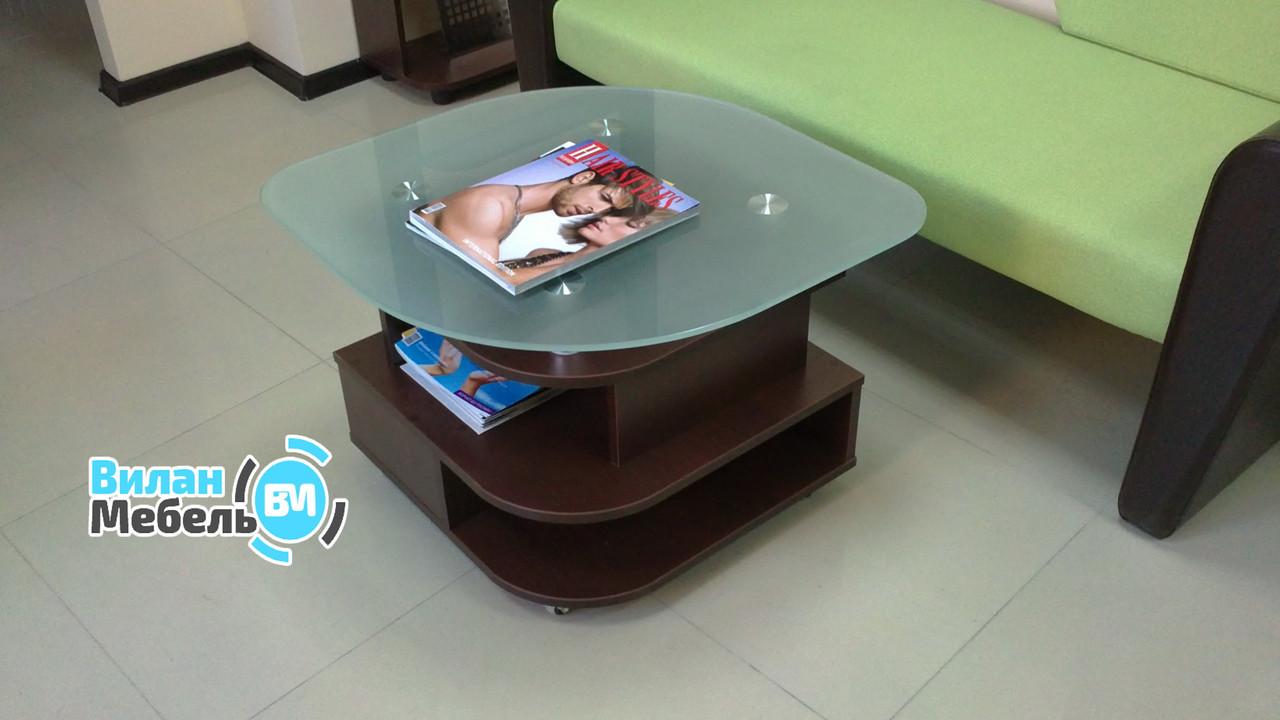 Журнальный стол c матовой столешницей
