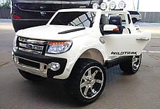 Детский двухместный электромобиль Ford M 2764 EBR-1 белый, колеса EVA, амортизаторы, радио, пульт Bluetooth, фото 2