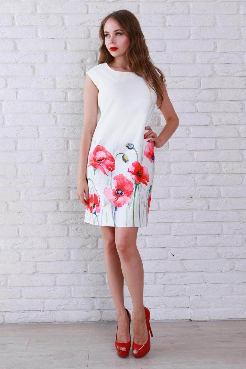 14befcf317e Отличное летнее платье белого цвета украшено роскошным цветочным рисунком
