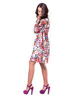 Очаровательное женское платье с ярким цветочным рисунком