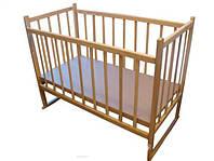 Детская кроватка из ольхи (БЕЗ ЛАКА)  с качалкой,боковина ОПУСКАЕТСЯ