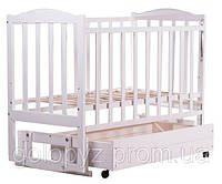Детская кроватка из клена белая (с маятником и ящиком) боковина  ОПУСКАЕТСЯ
