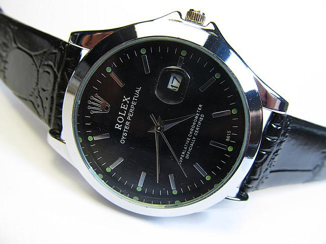 Мужские наручные часы с календарем кварцевые