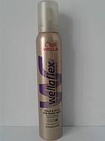 Мусс для волос Wellaflex 200 мл. (Веллафлекс объем супер сильная фиксация)