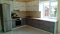 Кухня на заказ BLUM-016 краска бежевая верх них шпон