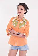 Яркая оранжевая блуза из льна с четвертным рукавом декорирована вышивкой