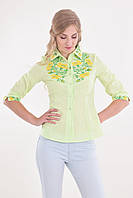 Красивая женская блуза модного кроя с украинской вышивкой