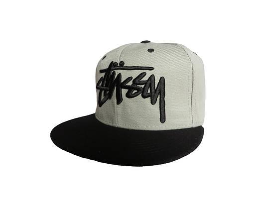 Серая кепка Stussy с черной надписью (реплика)