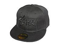 Черная кепка Stussy с черной надписью