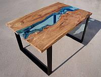 Стол со стеклянной вставкой