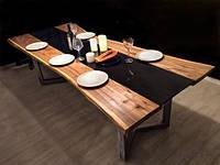 Большой  кухонный стол из дерева и стекла