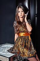 Гипюровое платье с атласным поясом