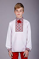Вышитая рубашка для мальчика с красным орнаментом, фото 1