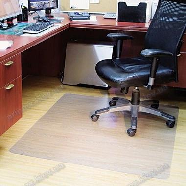 Ковер под кресло прозрачный 121х152см. Германия. Толщина 2,0мм