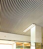 Кубообразный потолок. Рейка 34х80 шаг 50. Цвет - белый.