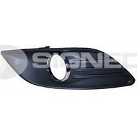Рамка правой противотуманной фары Ford Focus 08-10 PFD99176CAR 1528560