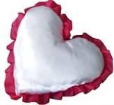 Подушка под сублимацию с красным рюшем в форме сердца ( атлас )